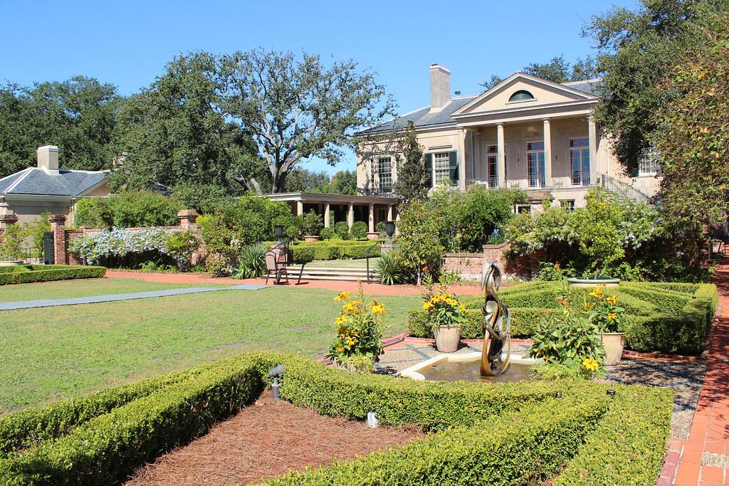 New orleans longue vue gardens spanish court fountain g flickr for Olive garden union nj