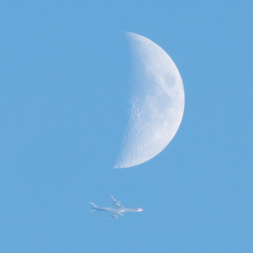 Fly me to the Moon | by ozuma.