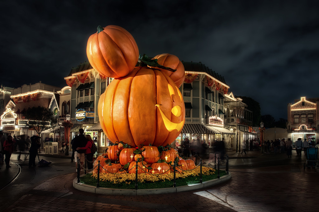 A Disney Halloween | Happy Halloween! I hope everyone has a … | Flickr