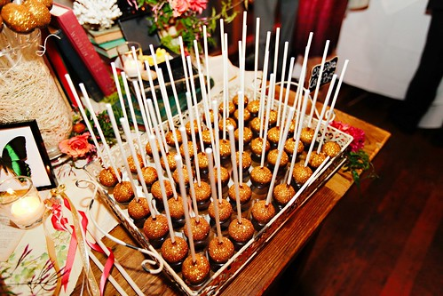 Gold Glitter Topped Cake Pops | by Sweet Lauren Cakes
