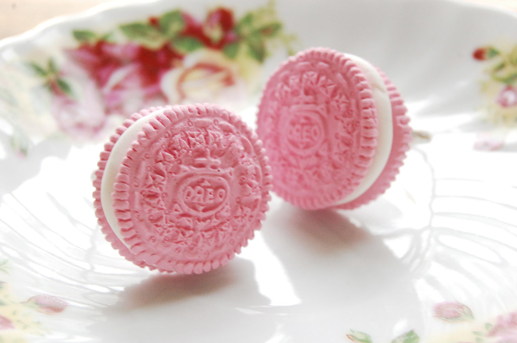 pink oreo ring you can wear your love of oreo biscuits in flickr