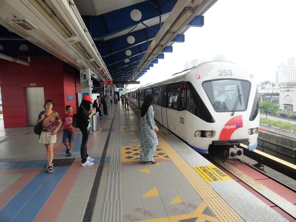 Malaysia được bình chọn là quốc gia có hạ tầng giao thông đứng đầu Đông Nam Á và xếp thứ 4 Châu Á.