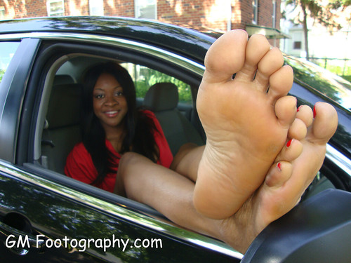 ebony feet sniffing