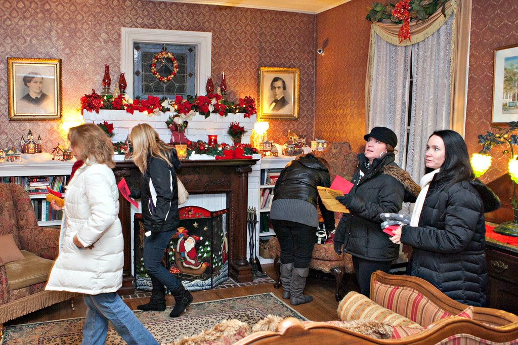 Annual Candlelight Tour Festival In Warm Springs Ga