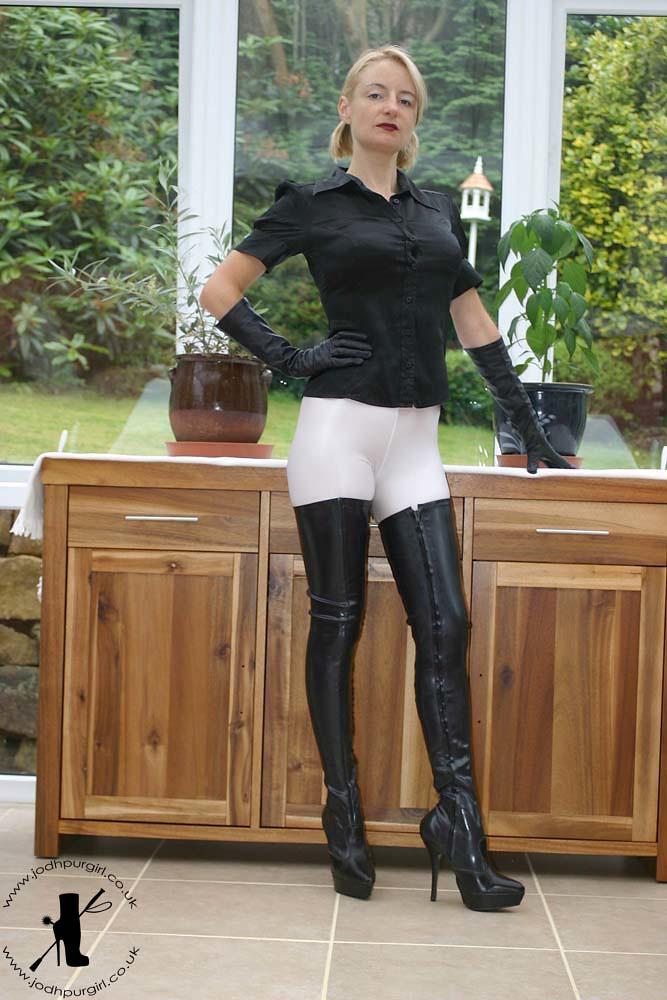 Lovers latex boots