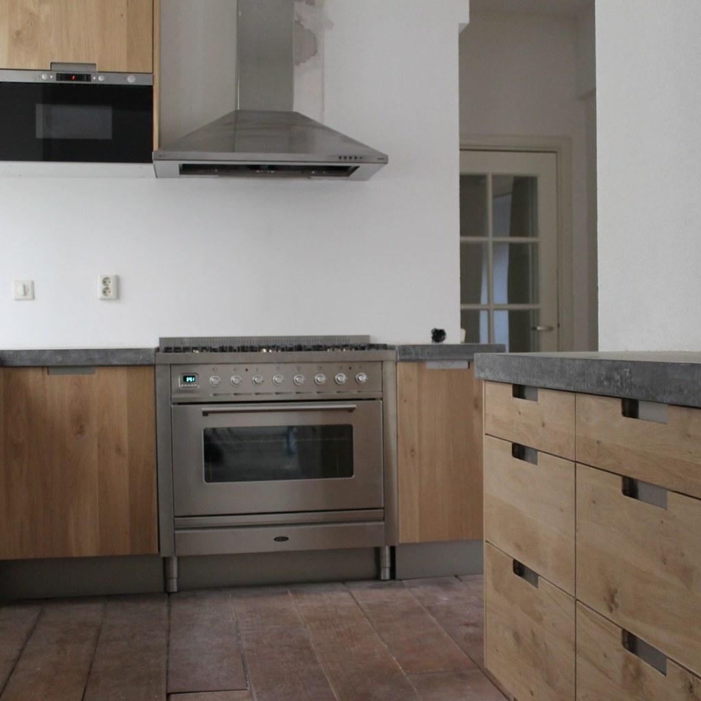 Houten Keuken Betonnen Blad : Koak Design Massief eiken houten keuken met ikea keuken ka
