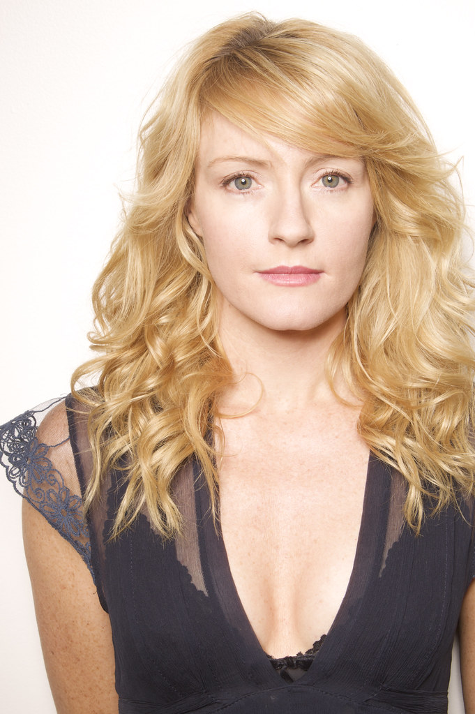 Helene Joy Nude Photos 15