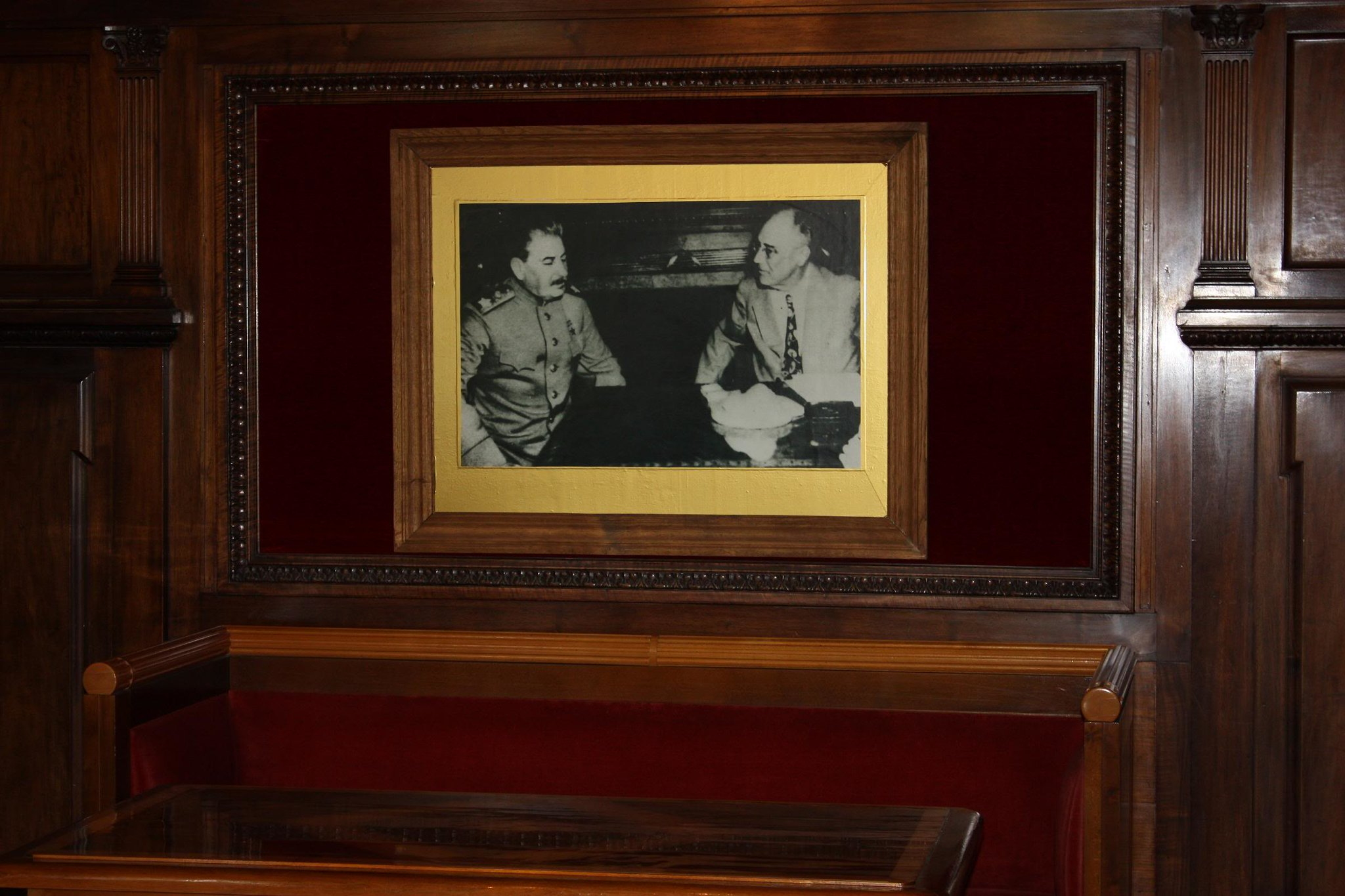 Picture of Stalin and Roosevelt