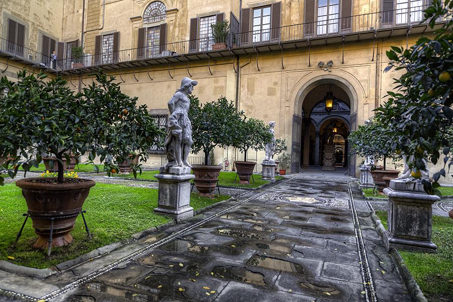 Giardino di palazzo medici riccardi giuseppe moscato for Giardino 3d gratis italiano