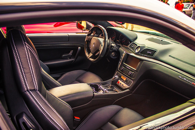 Maserati granturismo interior flickr photo sharing for Maserati granturismo s interieur
