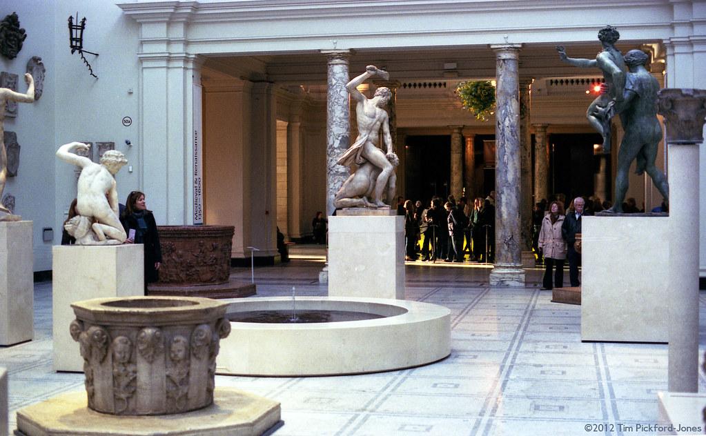 Foyer Museum Victoria : Vab the sculpture hall victoria and albert museum