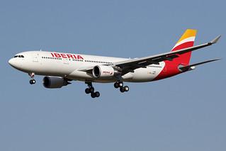 8 août 2016 - IBERIA - Airbus A330-200 F-WWCC msn 1740 - LFBO - TLS