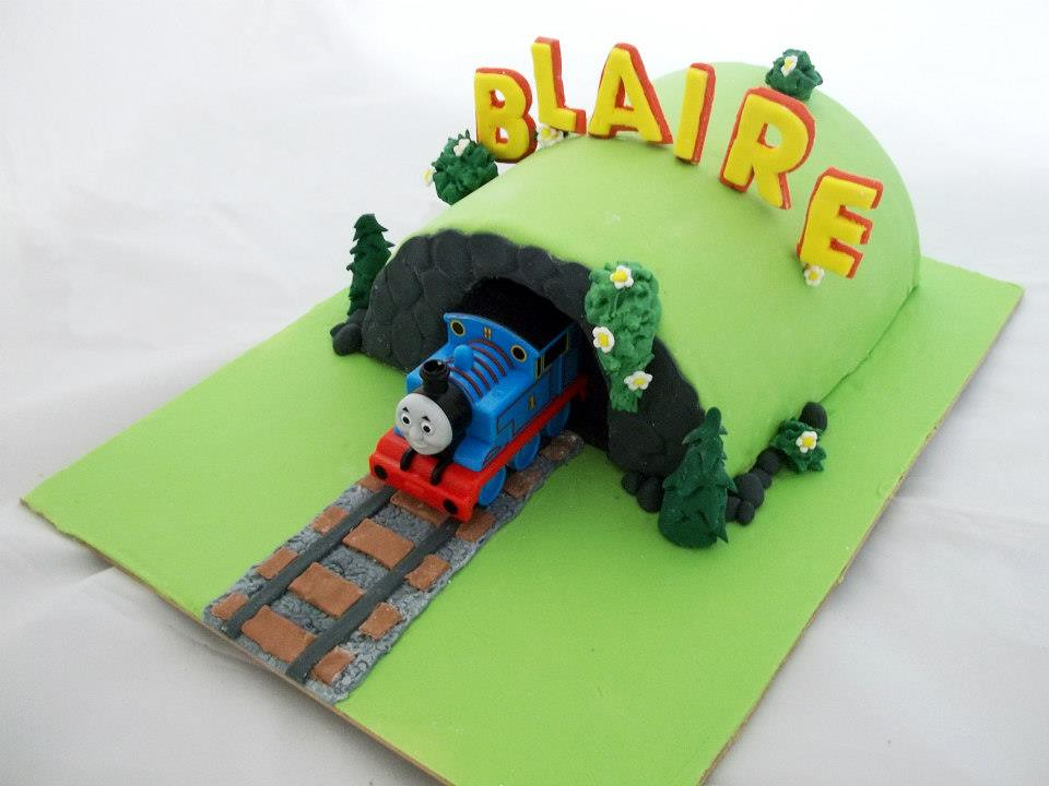 Thomas The Tank Engine Cake White Mud With White Choc