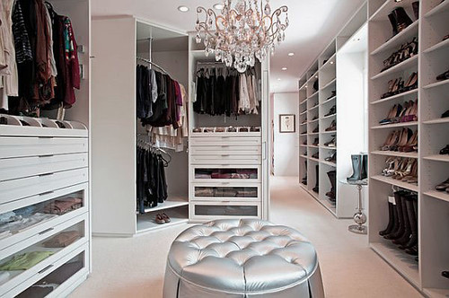 Awesome-Luxurious-White-Modern-Walk-in-Closet-Design-Ideas