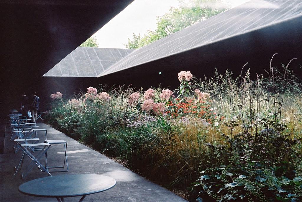 Hortus conclusus serpentine pavilion arch peter for Piet oudolf serpentine gallery