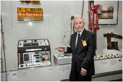 Bruce Del Mar Visits The Del Mar Avionics 174 Holter 174 Monitor