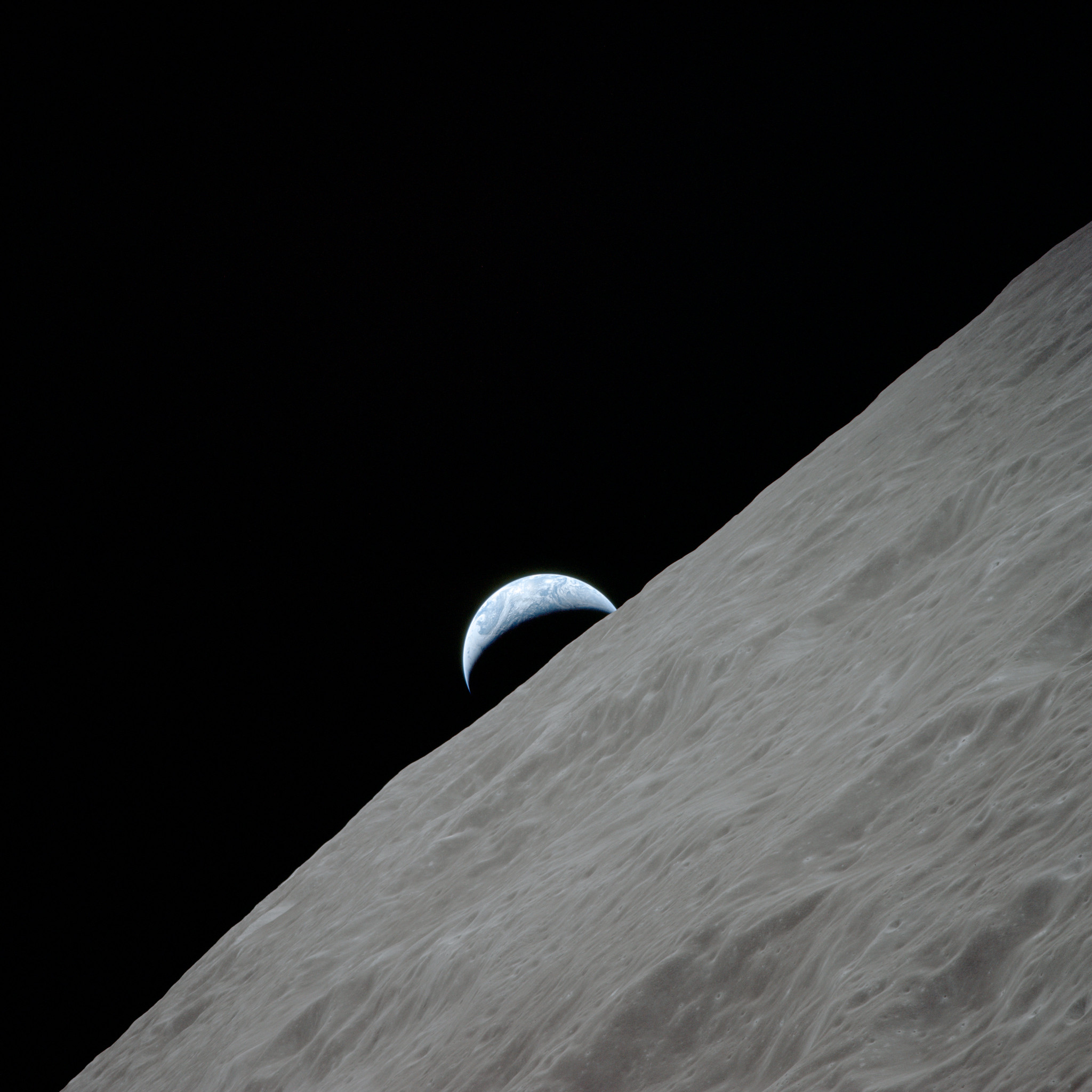 Apollo 17, Earthrise over Moon
