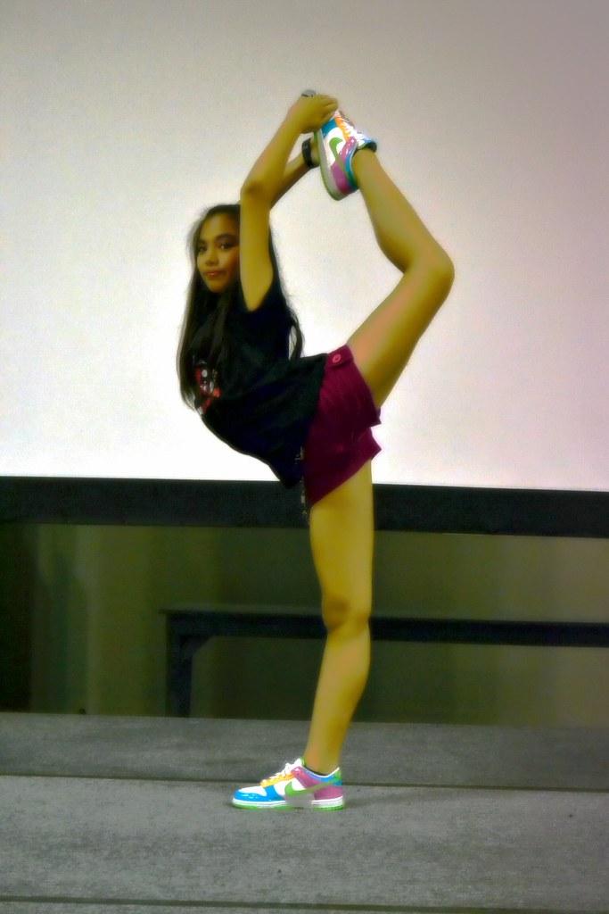 Scorpion Queen | Jam in a Scorpion pose. | got 2 dance ...
