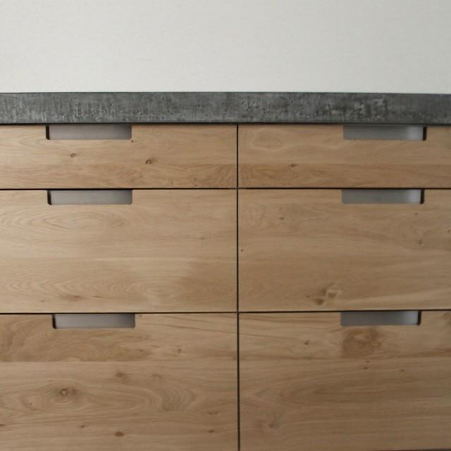 koak design massief eiken houten keuken met ikea keuken kasten door koak design in de stijl van. Black Bedroom Furniture Sets. Home Design Ideas
