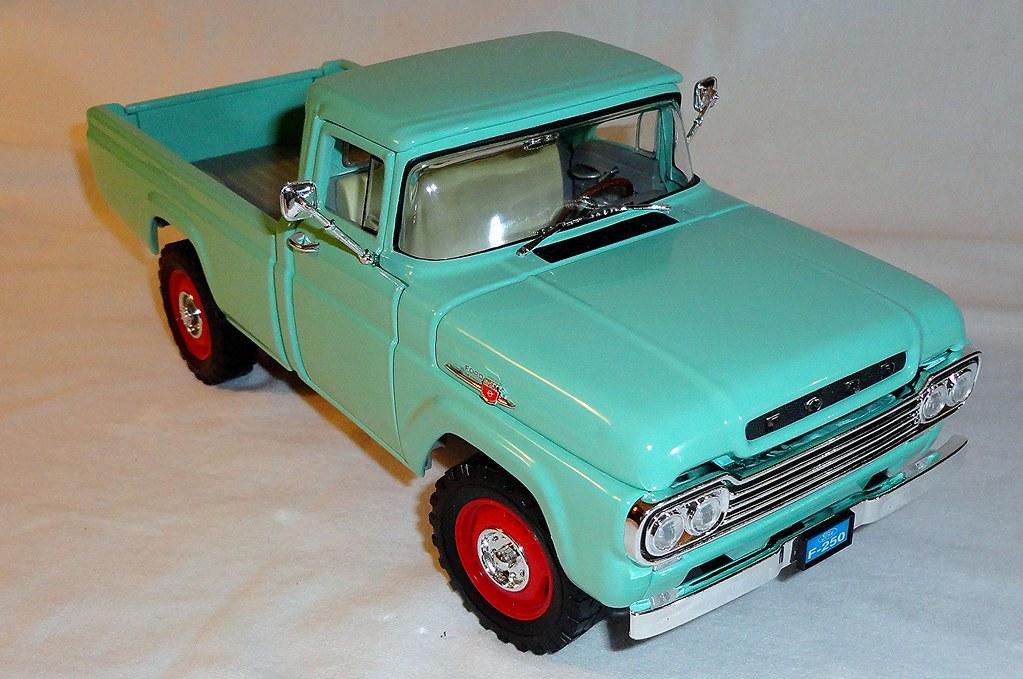 Ford 4x4 Model : Road signature diecast model ford f pickup