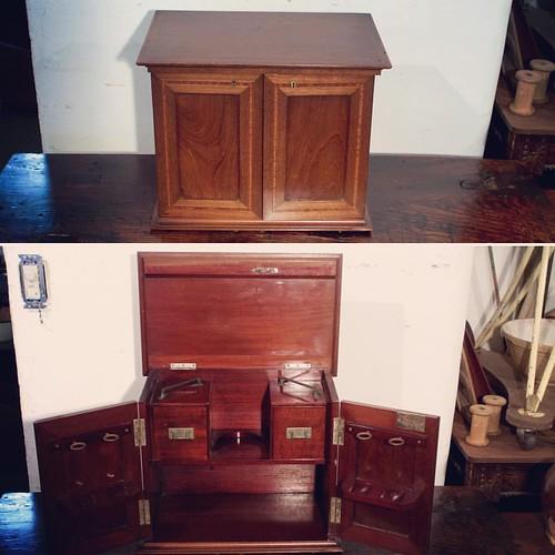 パイプボックス。趣味の品をしまい込むのにも。#pipebox #smokingpipe #mahogany #antique #collectionbox