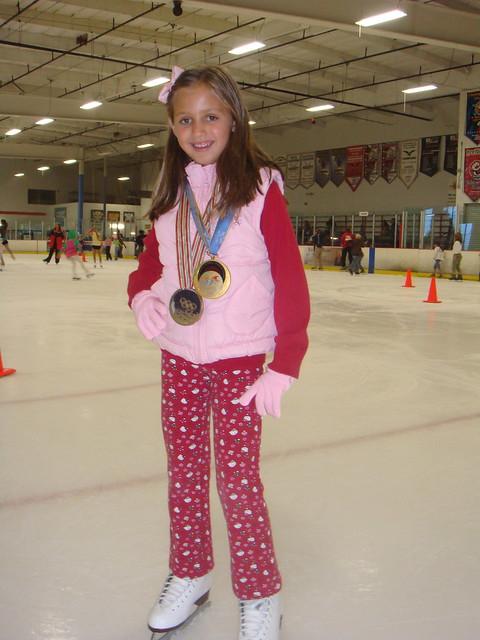 oksana-grishuk-olymplic-champion-Skyler- daughter-ice-skating-2Oksana Grishuk