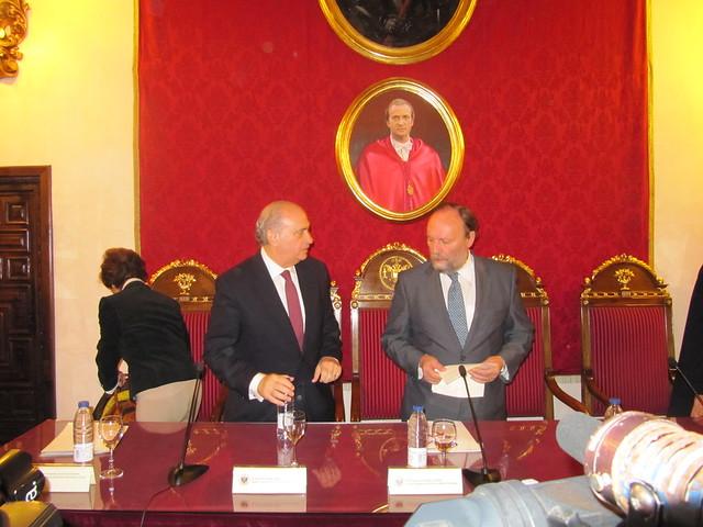 El ministro del interior jorge fern ndez d az ha for Escuchas del ministro del interior