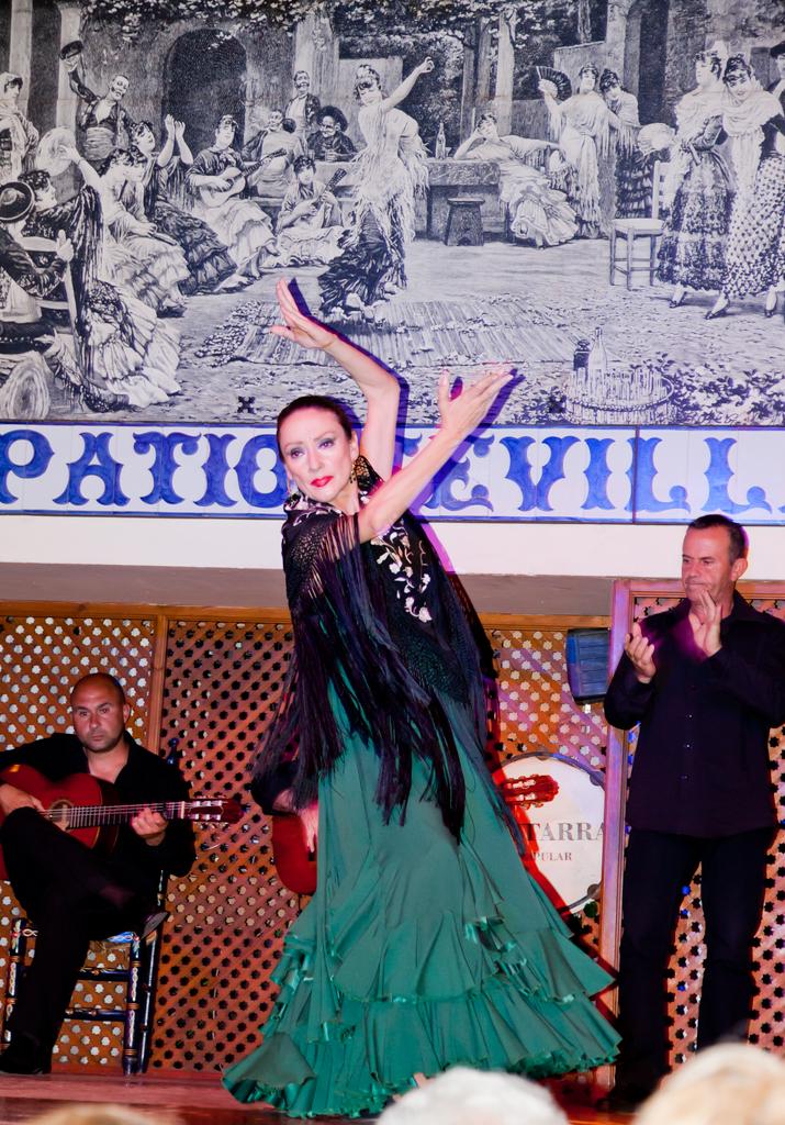El Patio Sevillano Flamenco Principle Dancer El Patio Se Flickr