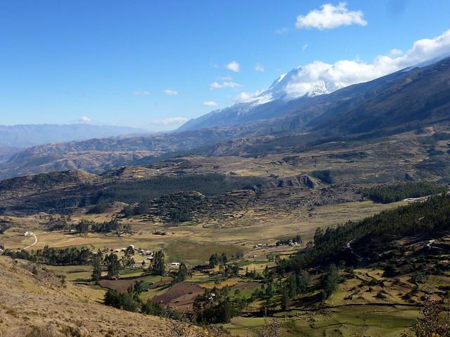 El Huascaran in clouds