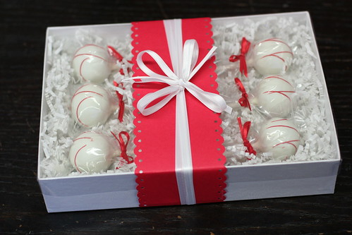 Box of Six Cake Pops in any flavor! | by Sweet Lauren Cakes