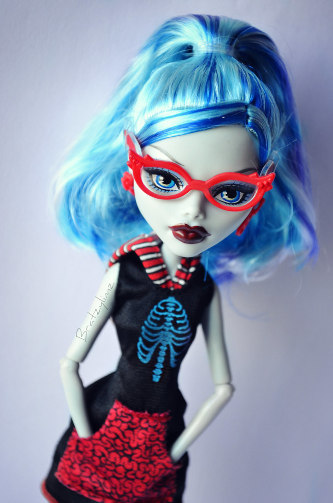 Monster high scaris city of frights ghoulia yelps - Monster high ghoulia yelps ...