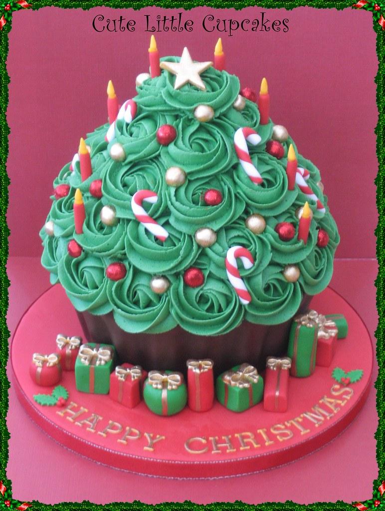 Christmas Tree Giant Cupcake | A giant chocolate cupcake ...