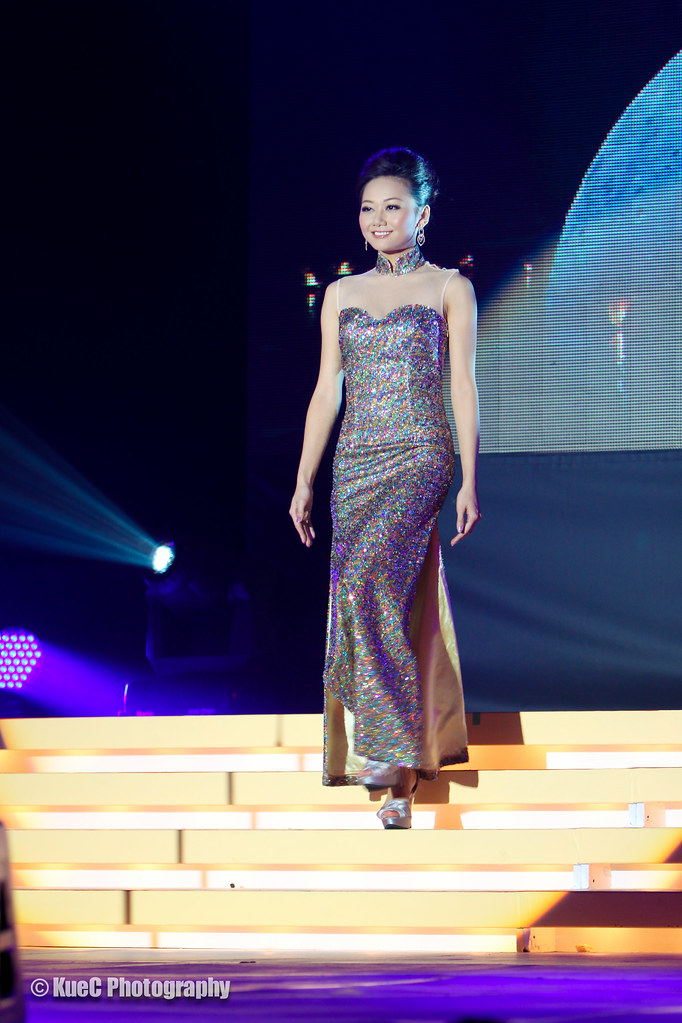 Miss Chinese Vancouver Pageant 2012: Evening Gown #10 Silv…   Flickr