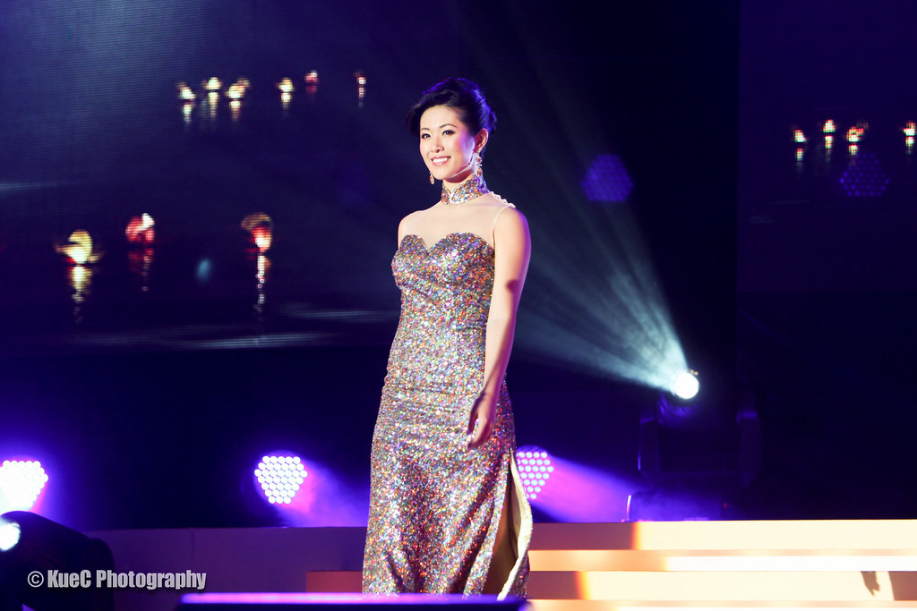 Miss Chinese Vancouver Pageant 2012: Evening Gown #1 Diana…   Flickr