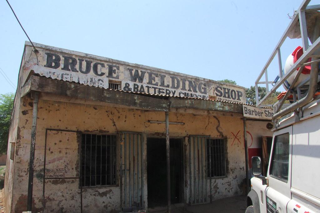 Welder-Barber in Karonga (1) joepyrek Flickr
