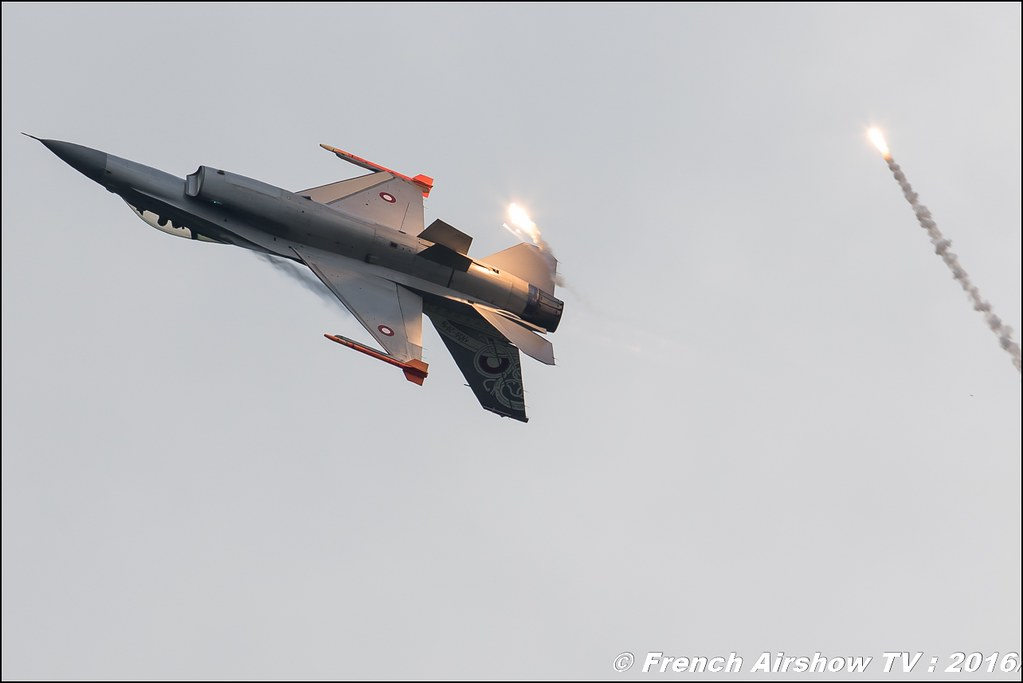 RDAF F-16 Fighting Falcon , F 16 danois display , Danish F-16 - Royal Danish Air Force ,Belgian Air Force Days 2016 , BAF DAYS 2016 , Belgian Defence , Florennes Air Base , Canon lens , airshow 2016