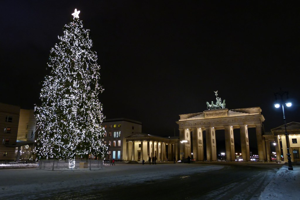 frohe weihnachten berlin brandenburger tor michael. Black Bedroom Furniture Sets. Home Design Ideas