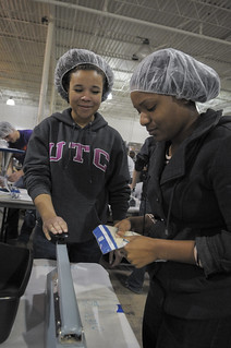 CommunitySvc-FeedMyStarvingChildren2013_17 | by UT-Chattanooga