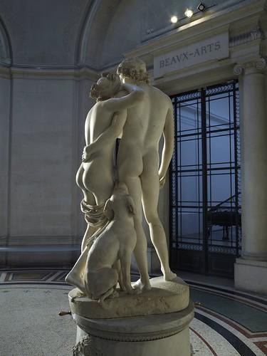 Venus And Adonis Statue Statue de Vénu...