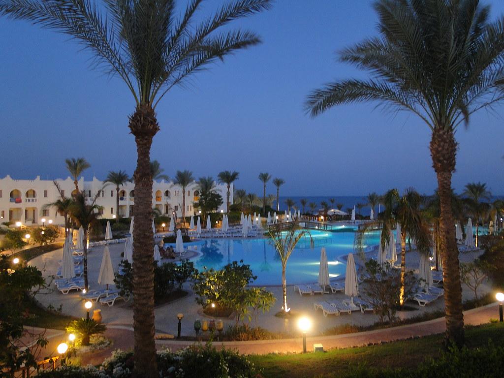 Sunrise Beach Hotel Gruiban