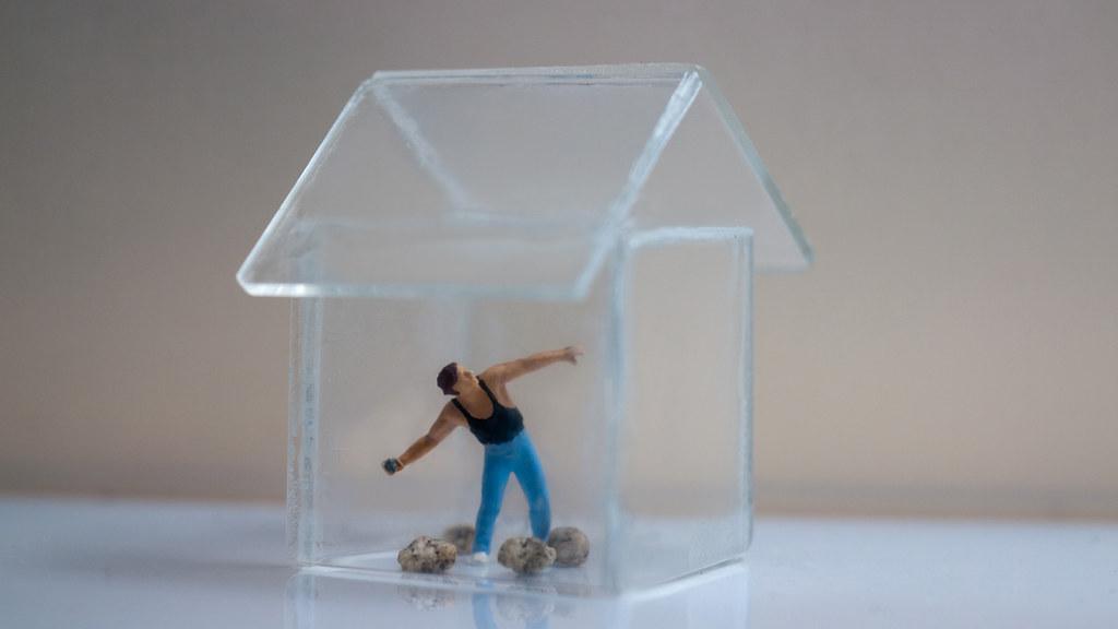 wer im glashaus sitzt sollte nicht mit steinen werfen flickr. Black Bedroom Furniture Sets. Home Design Ideas