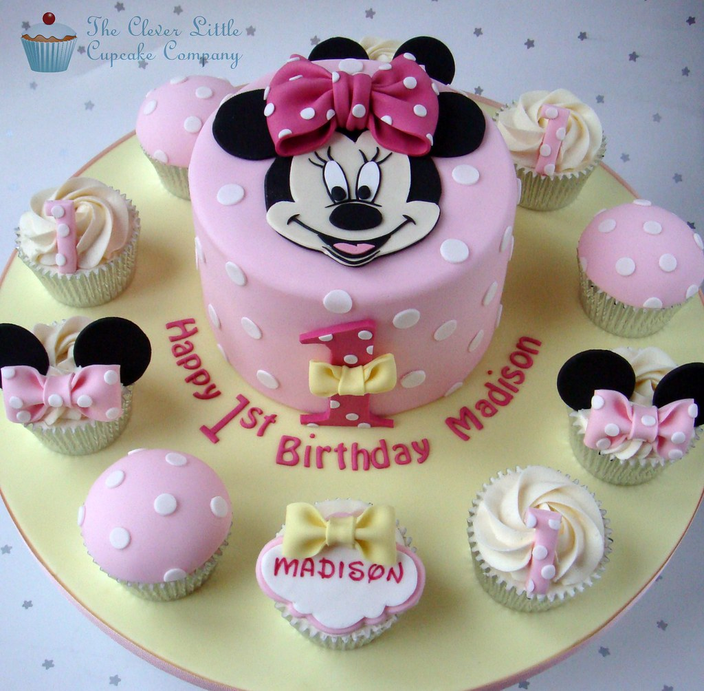 Minnie Mouse 1st Birthday Cake With matching Minnie cupcak Flickr