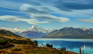 The Road to Mount Cook along Lake Pukaki | by Stuck in Customs