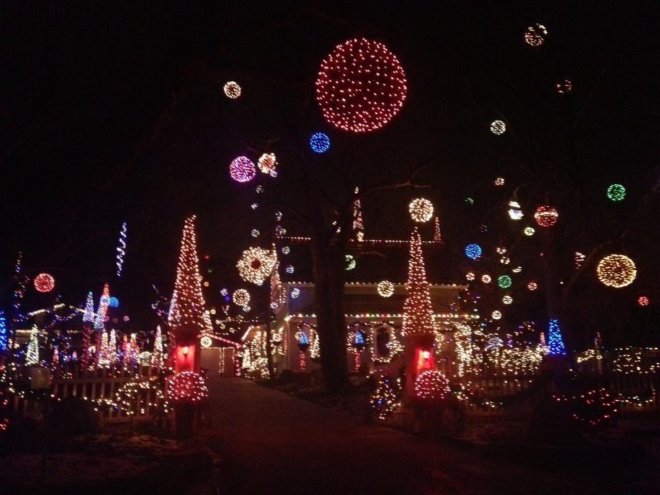 Extreme Christmas Lights Queenston Ontario Mark Giles