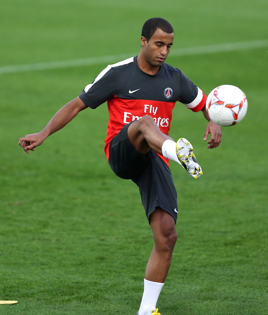 Lucas Moura In White: PSG's New Brazilian Player Lucas Moura