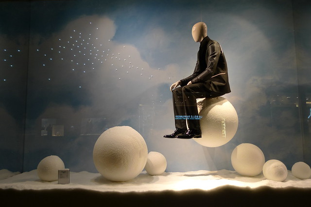 Vitrines de no l dior du printemps homme paris d cembre 2012 flickr photo sharing - Vitrine de noel paris ...