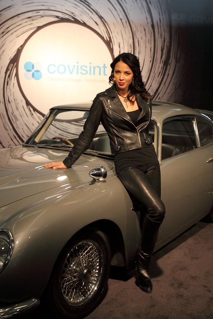 Aston Martin Bond Girl James Bond 007 1964 Aston