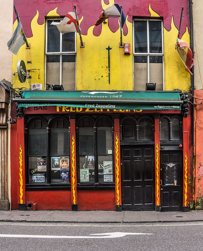 FRED ZEPPELINS [8 PARLIAMENT STREET CORK]-120655 | by infomatique
