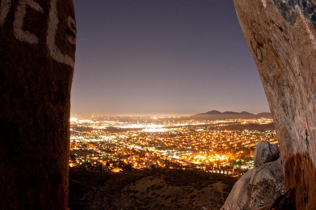 Nighttime view between the rocks. Blue Rock / Magnolia Bou ...