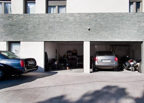 Garaje con capacidad para tres coches grupo conapi flickr - Garaje para coches ...